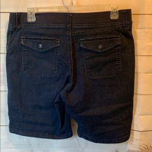 Lee Platinum label jean shorts size 16 Bermuda